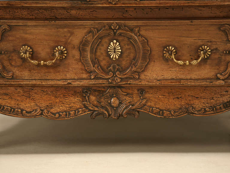 French Walnut Cupboard or Cabinet, circa 1800 For Sale 4
