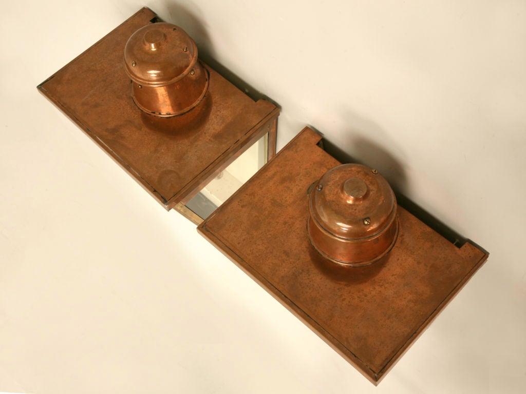 Restored Pair of Original Antique English Copper Wall Lanterns In Good Condition For Sale In Chicago, IL