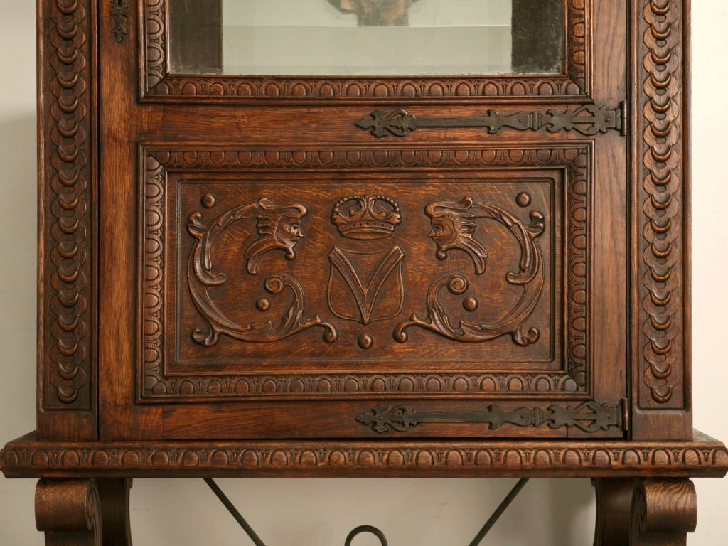 vintage petite spanish oak heavily carved vitrine china. Black Bedroom Furniture Sets. Home Design Ideas