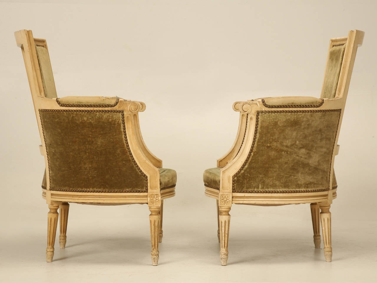 Louis XVI Style Bergere Chairs in Original Paint For Sale 4