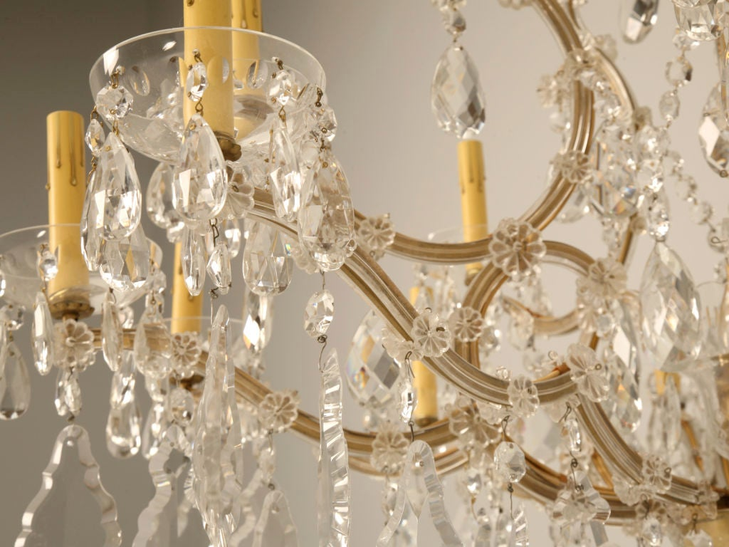 Vintage Venetian Hand Cut Crystal 16 Light Chandelier At