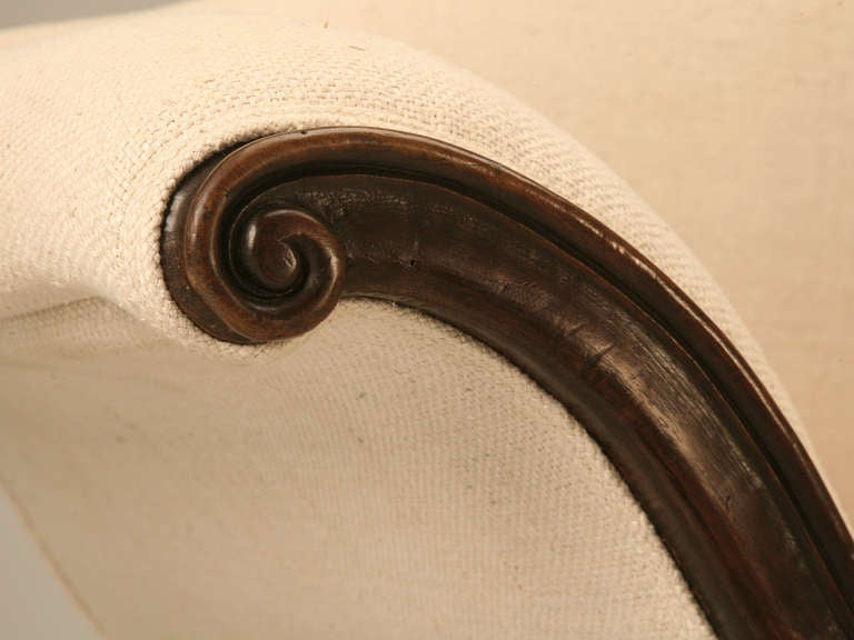 Restored 18th Century Italian Venetian Carved Walnut Sofa 6
