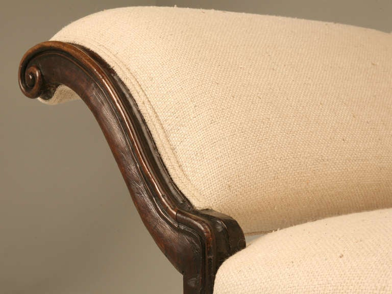 Restored 18th Century Italian Venetian Carved Walnut Sofa 7
