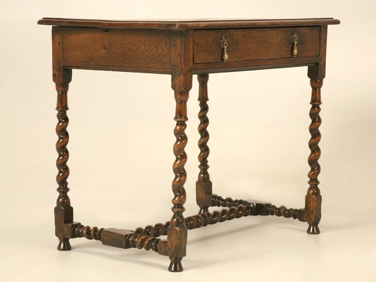 English Country Style Writing Desk or End Table, circa 1700s For Sale 1