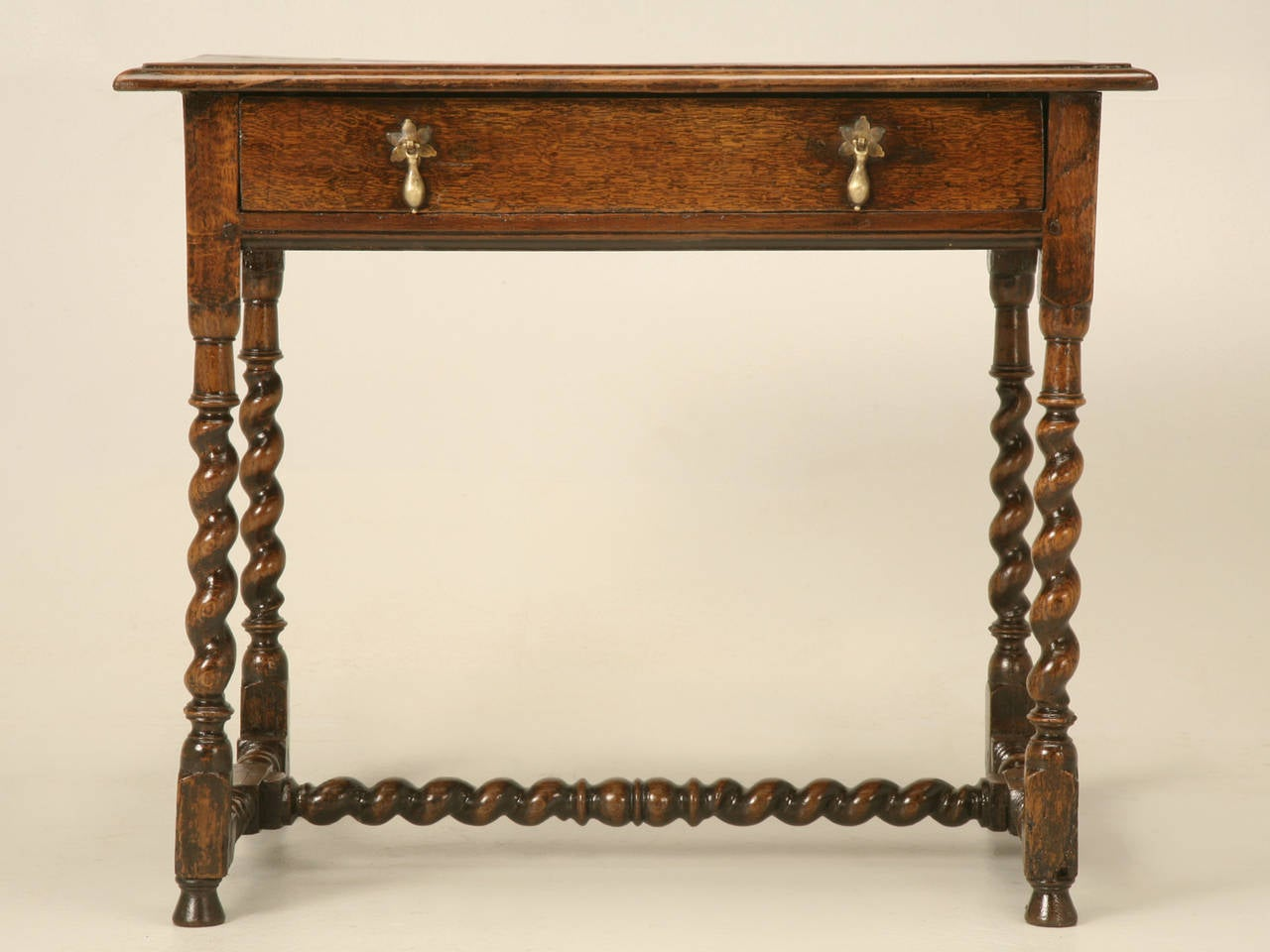 English Country Style Writing Desk or End Table, circa 1700s For Sale 2
