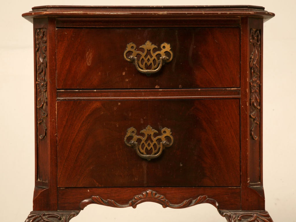 Vintage Chippendale Style Carved Mahogany Nightstand Table