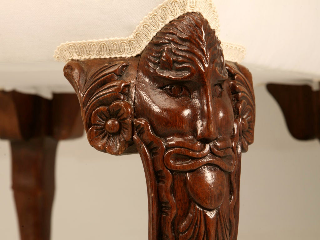 Distinctive Vintage Chippendale Style Carved Mahogany