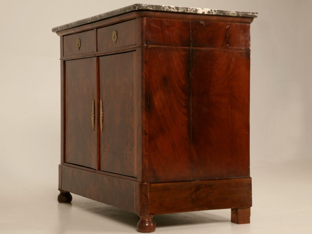petite antique french louis philippe flame mahogany 2 drawer over 2 door buffet at 1stdibs. Black Bedroom Furniture Sets. Home Design Ideas
