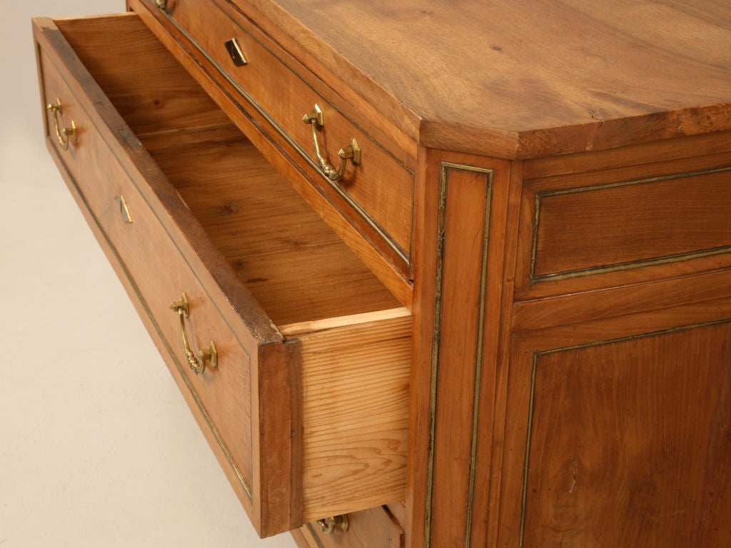 Brass Antique French Directoire Cherry and Walnut 3-Drawer Commode For Sale