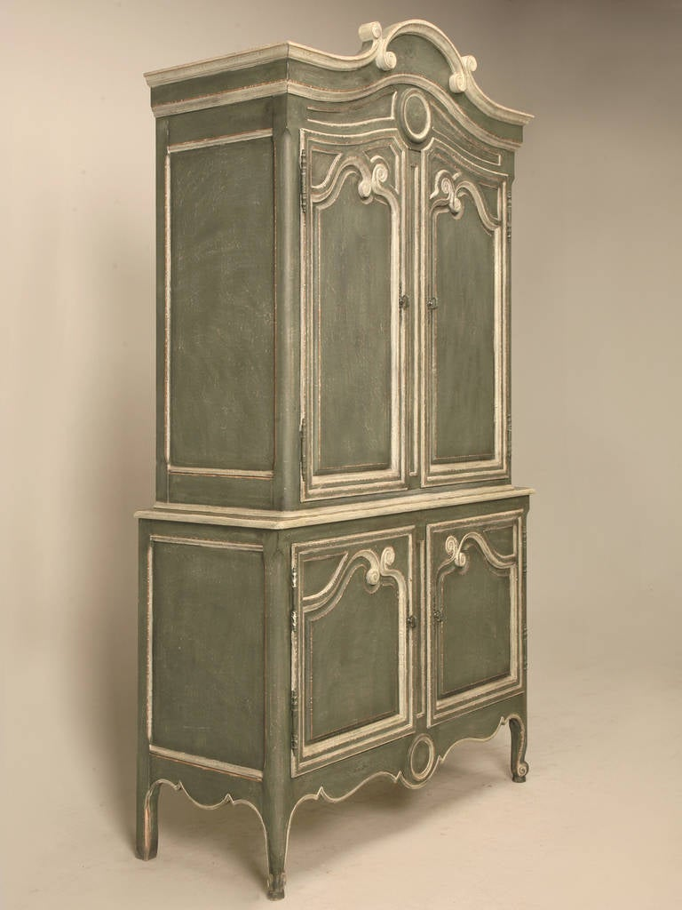 vintage baker country french style armoire or buffet deux. Black Bedroom Furniture Sets. Home Design Ideas