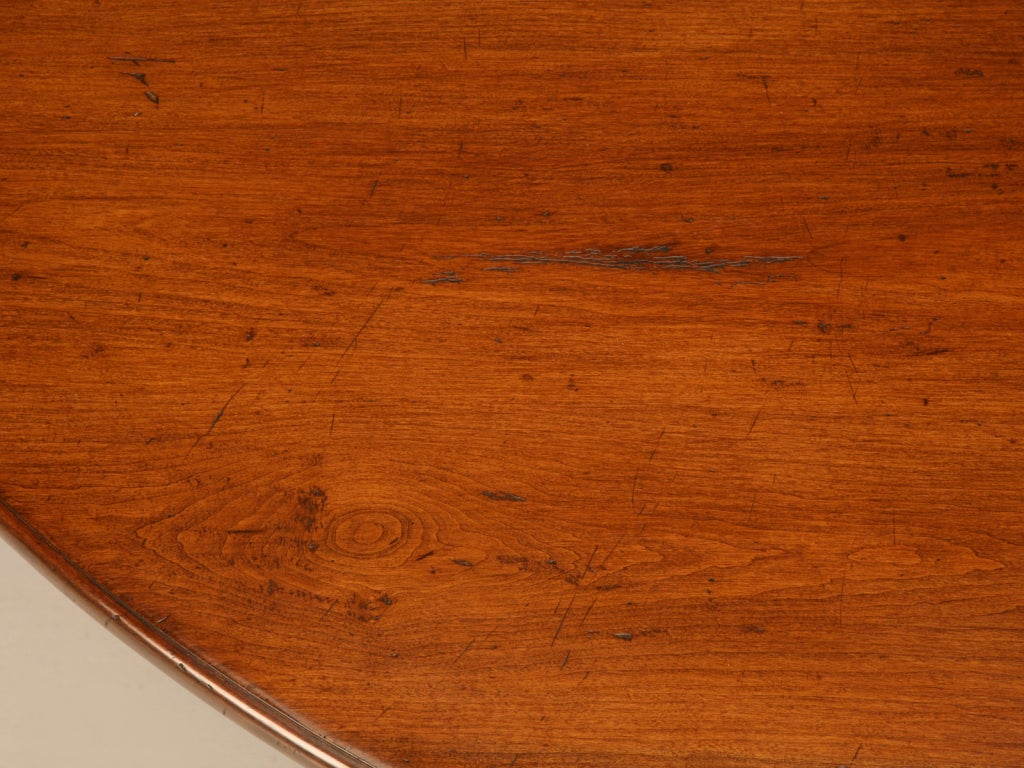 20th Century Vintage English Handcrafted Solid Cherry Round Dining Table For Sale