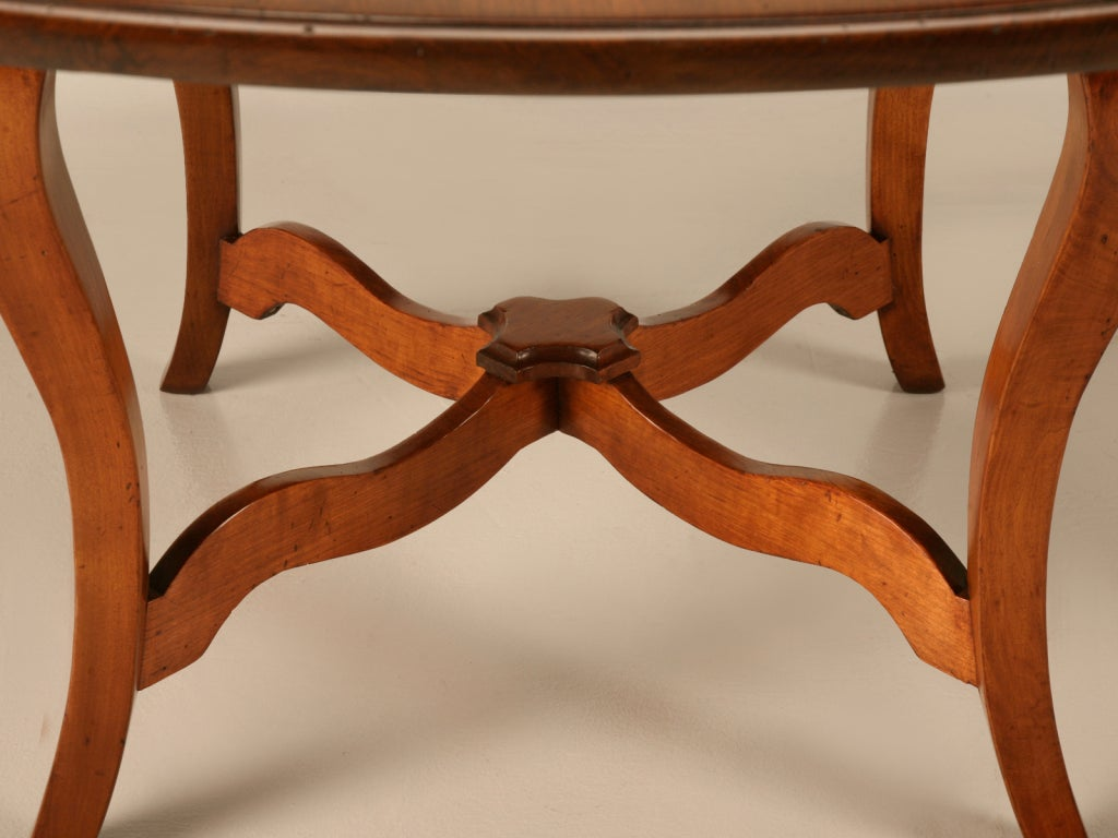 Vintage English Handcrafted Solid Cherry Round Dining Table For Sale 4