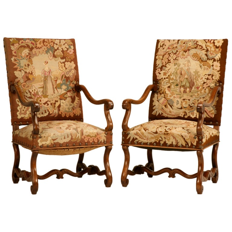 Pair of Original Antique French Walnut & Needlepoint Throne Chairs For Sale - Pair Of Original Antique French Walnut And Needlepoint Throne