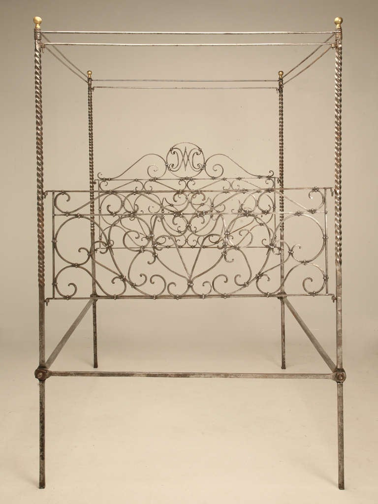 Antique french iron bed - Circa 1880 French Hand Forged Iron Canopy Bed With Twists And Brass Finials 3