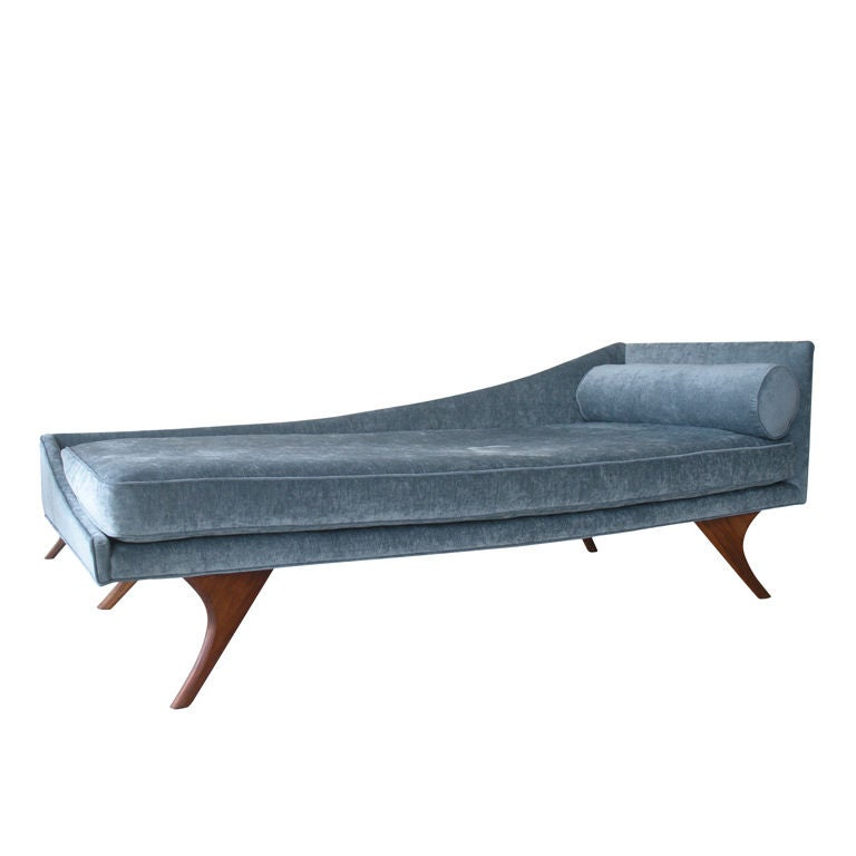 Mid century modern chaise lounge at 1stdibs for Modern lounge sofa