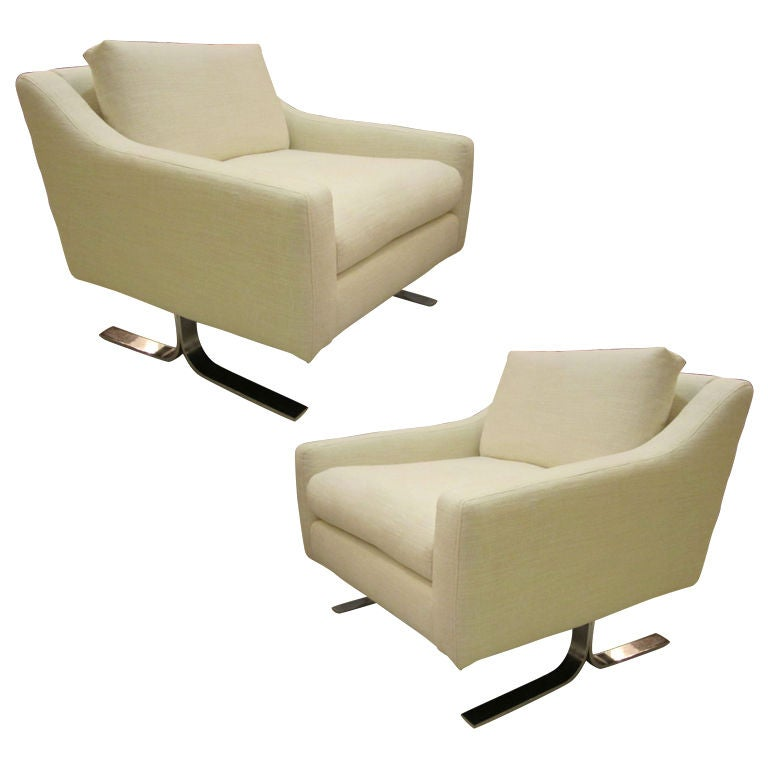 Pair Of Mid Century Modern White Lounge Chairs At 1stdibs