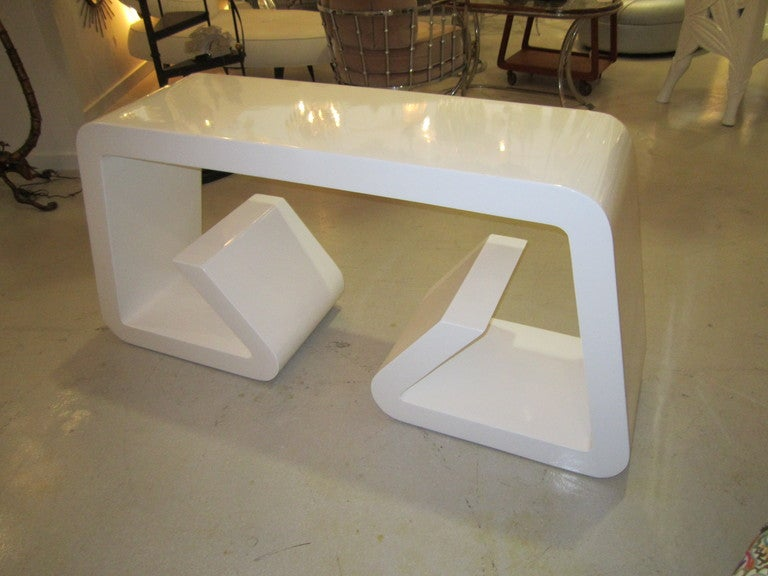White Lacquer Geometric Console Table 3
