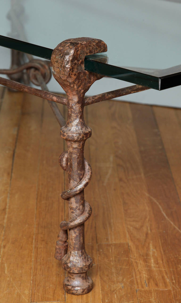 Modern Patinated Forged Iron Coffee Table in the Manner of Giacometti In Excellent Condition For Sale In New York, NY