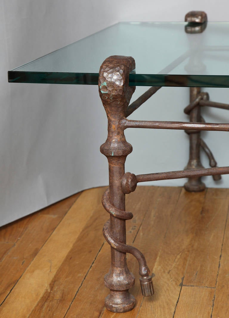 Modern Patinated Forged Iron Coffee Table in the Manner of Giacometti For Sale 1