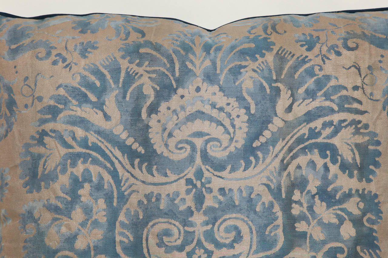 Italian A Fortuny Fabric Cushion in the DeMedici Pattern For Sale