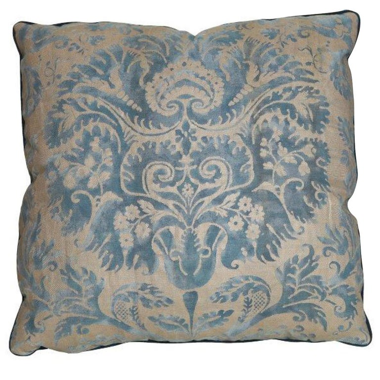 A Fortuny Fabric Cushion in the DeMedici Pattern For Sale