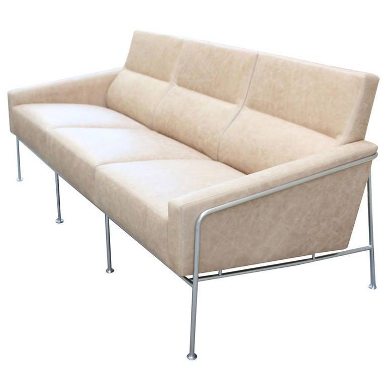 arne jacobsen 3300 leather and steel sofa at 1stdibs. Black Bedroom Furniture Sets. Home Design Ideas