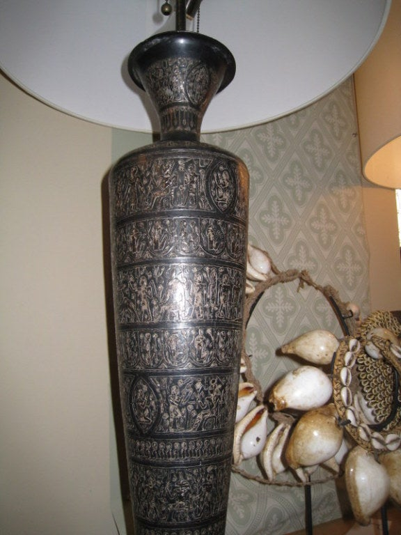 Pair of Italian Bronze Lamps In Excellent Condition For Sale In Los Angeles, CA