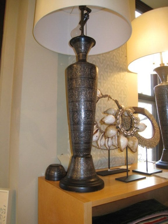 Pair of Italian Bronze Lamps For Sale 1