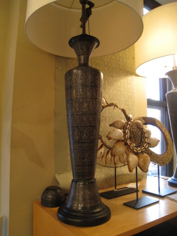 Pair of Italian Bronze Lamps For Sale 3