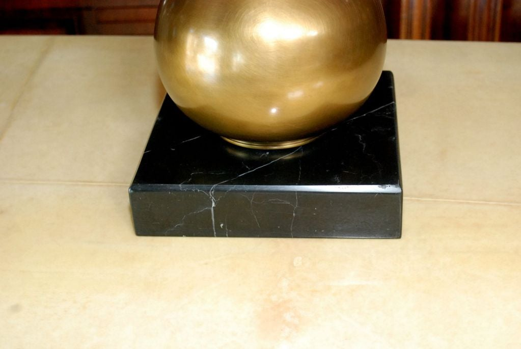 Mid-Century Modern Brass Table Lamp with Marble Base For Sale