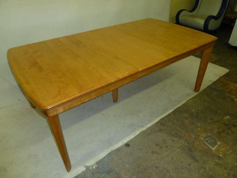 heywood wakefield dining room table | Heywood Wakefield Solid Maple Dining Table at 1stdibs