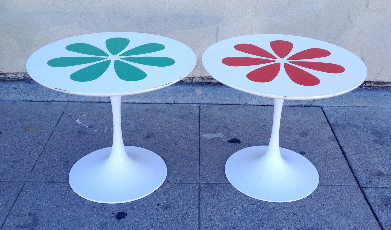 Burke Tulip Tables With Laminate Flower Motif Inspired By Eero Saarinen In  Excellent Condition For Sale