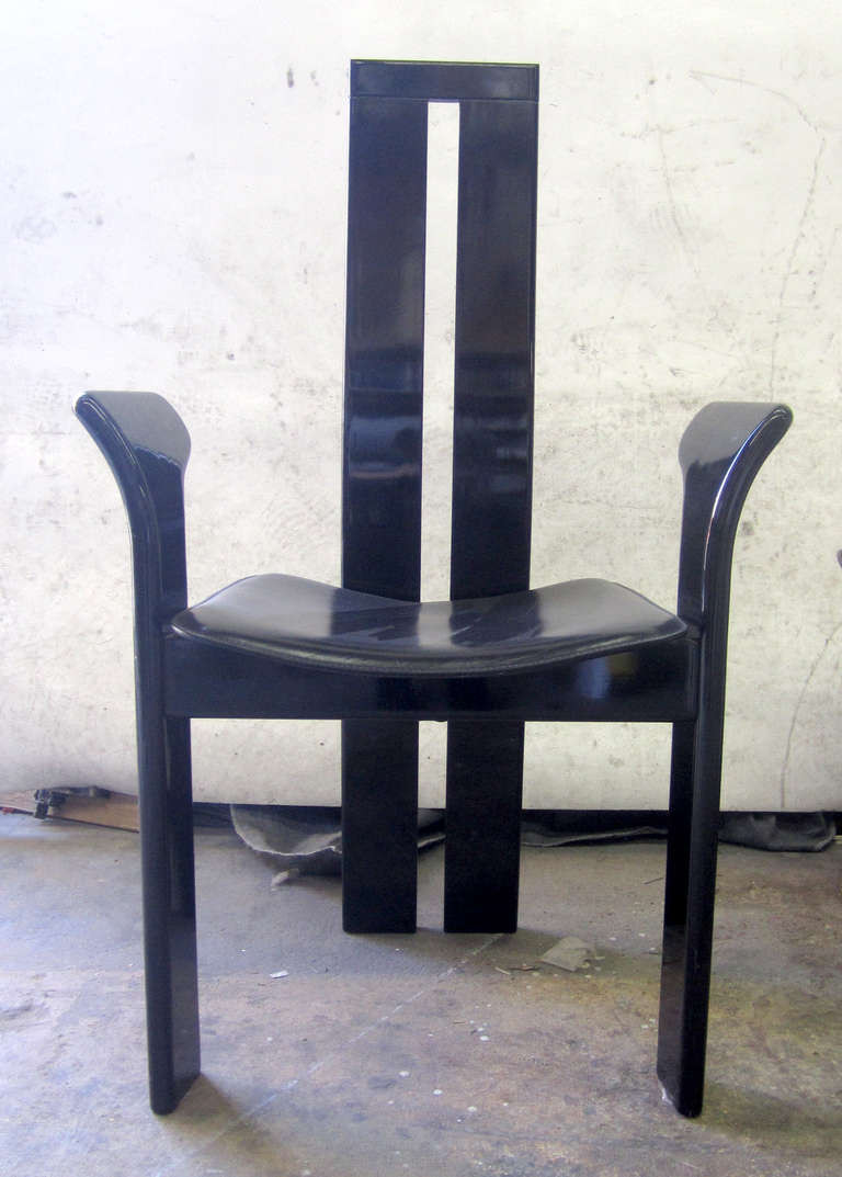 Sleek pietro costantini dining chairs set of eight at 1stdibs for Sleek dining room furniture