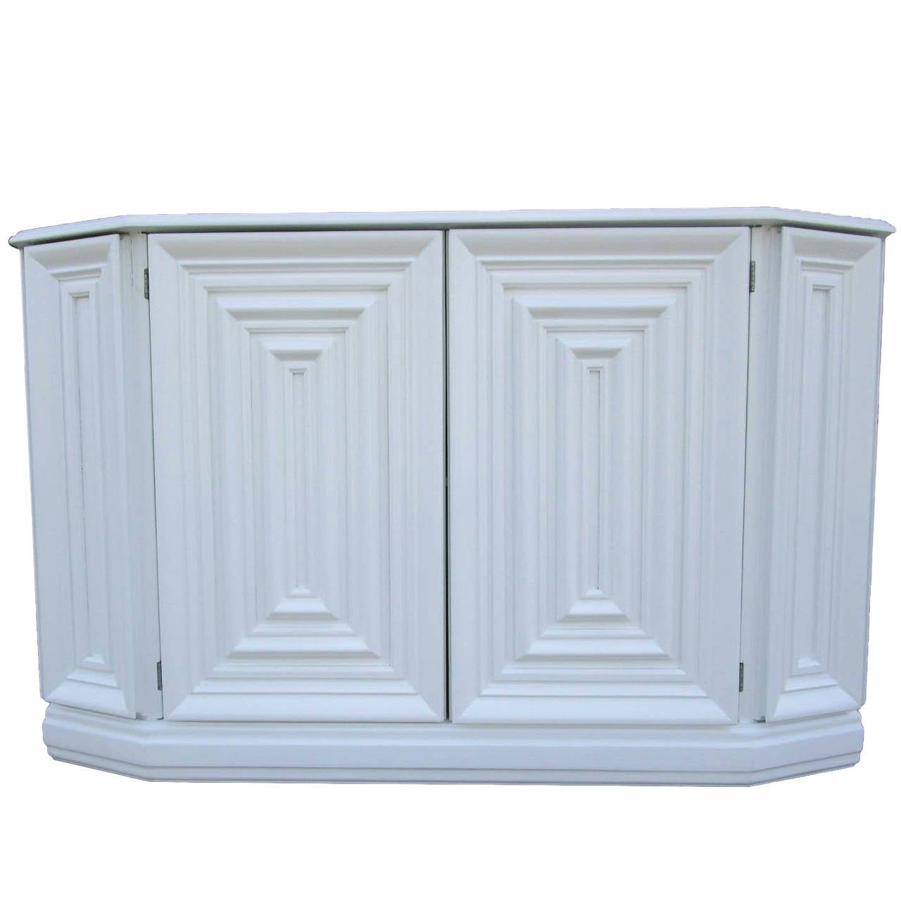 Elegant Console Cabinet In White Lacquer Finish For