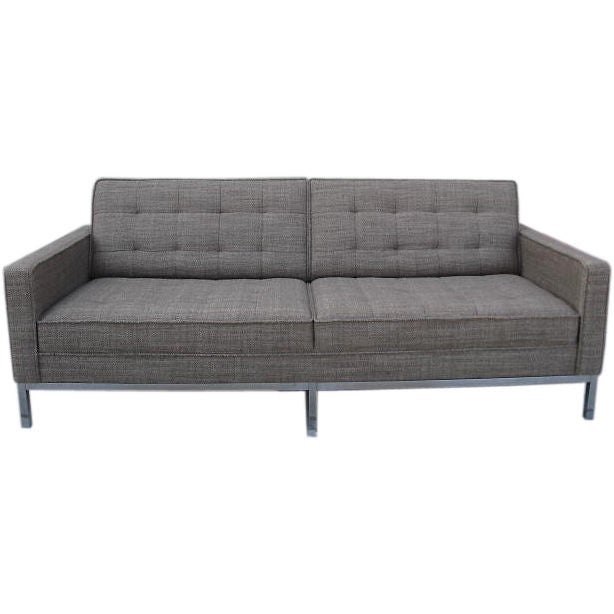 classic florence knoll sofa at 1stdibs. Black Bedroom Furniture Sets. Home Design Ideas