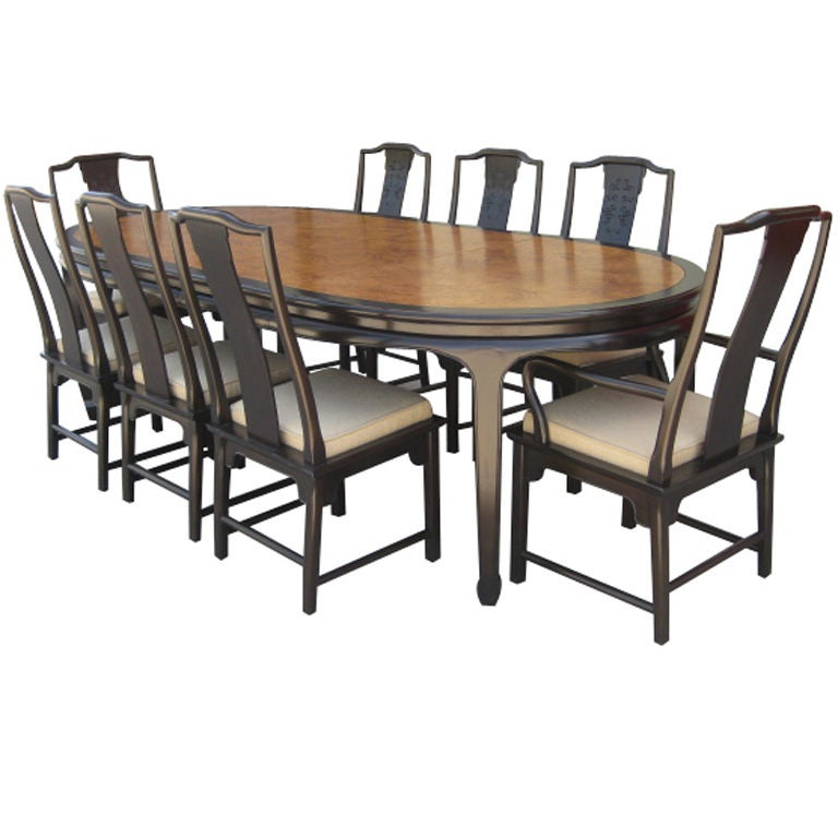 A Set Of 8 Chairs And A Dining Table By Thomasville At 1stdibs