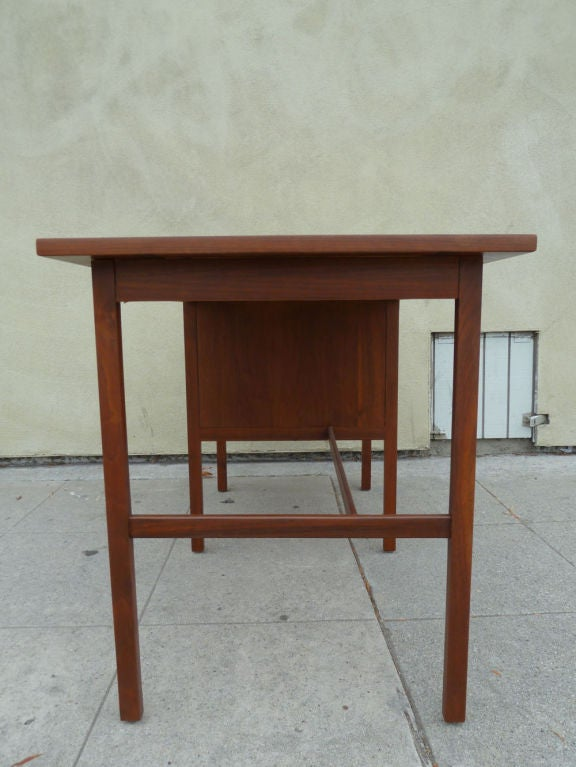 Walnut Desk By Paul Mccobb For Lane Furniture Co At 1stdibs