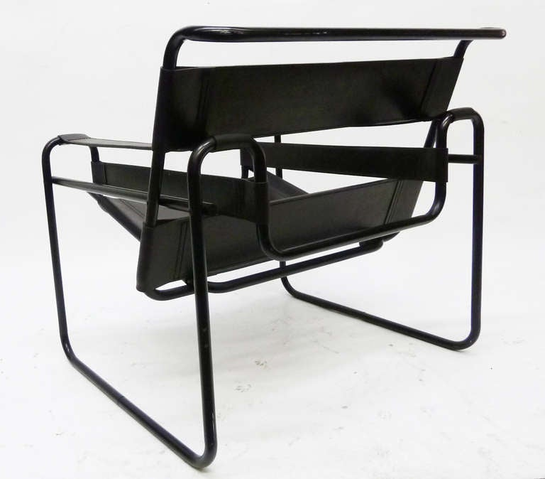 Wassily Lounge Chair With Rare Black Frame At 1stdibs