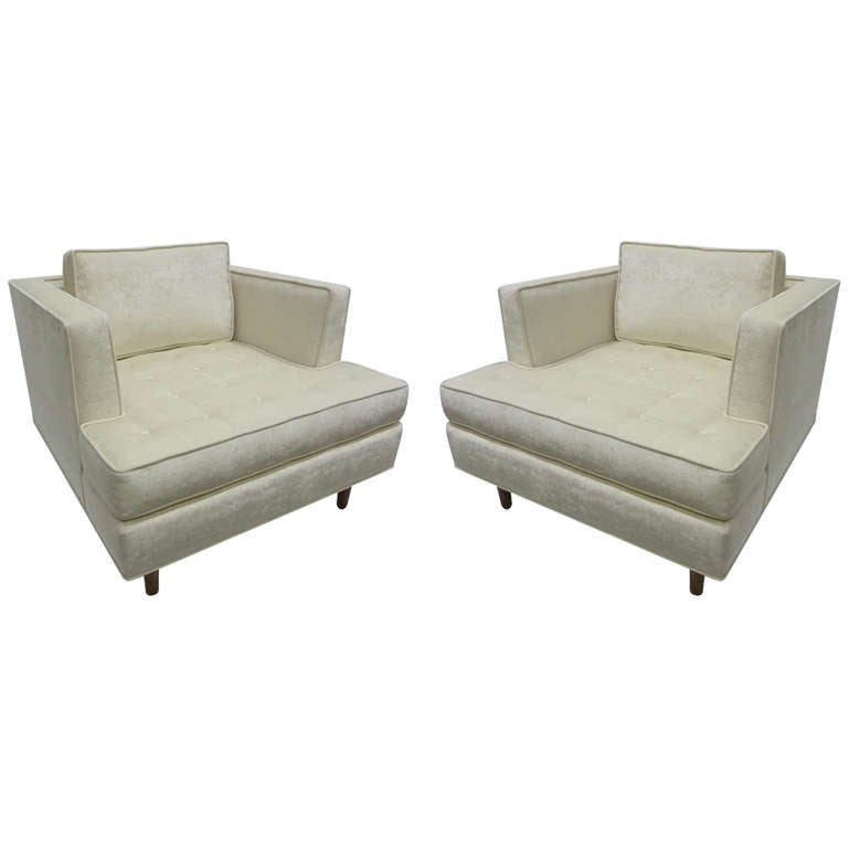 Pair of Club Chairs with Tufted Seat after Harvey Probber