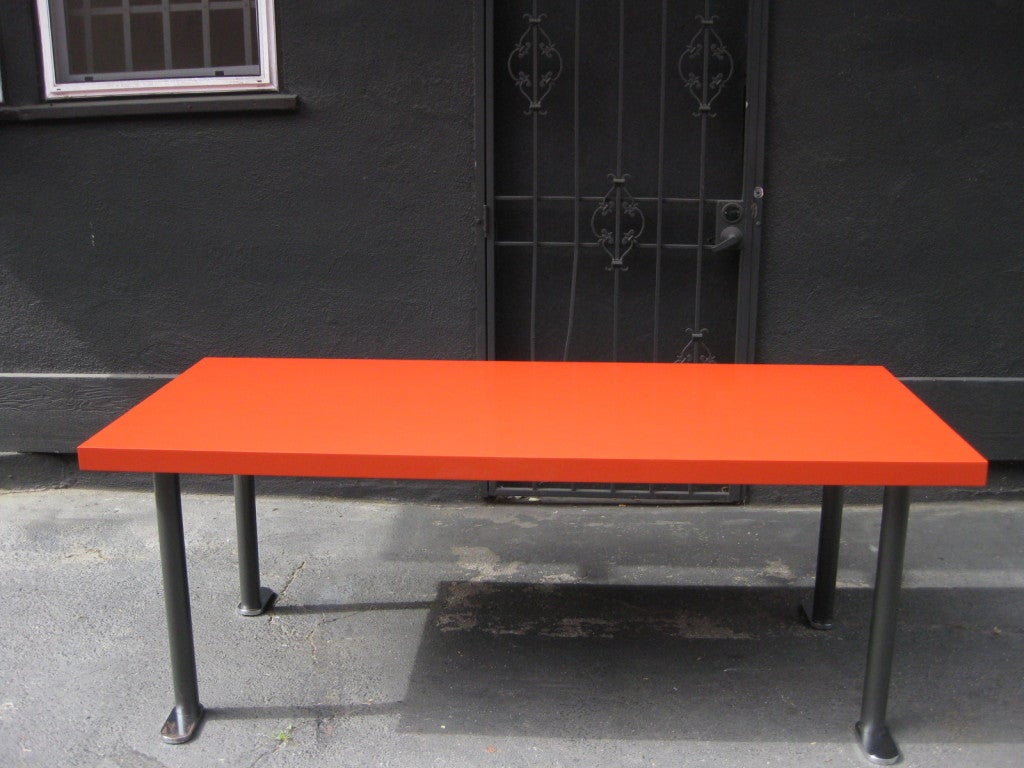French 60s Red Lacquered Dining Table 3