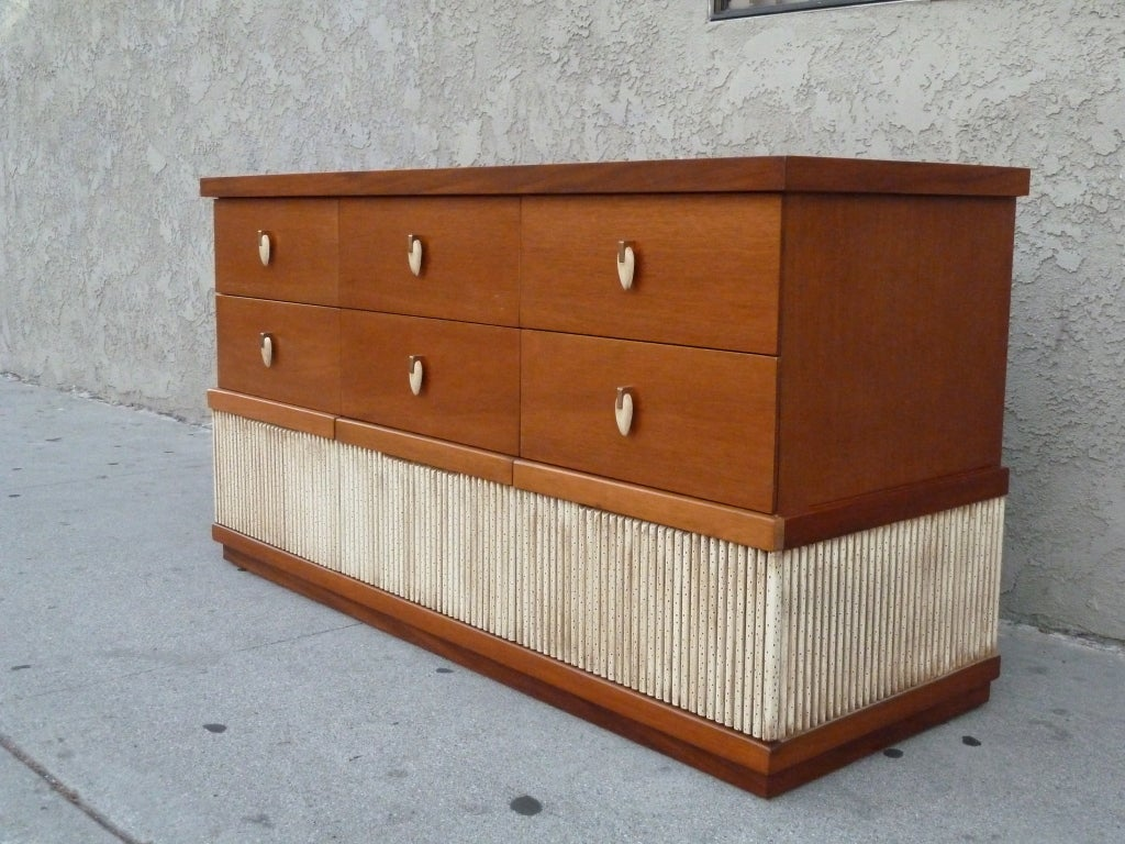 Rare Blond Mahogany 9 Drawer Dresser By American Of Martinsville In Excellent Condition For