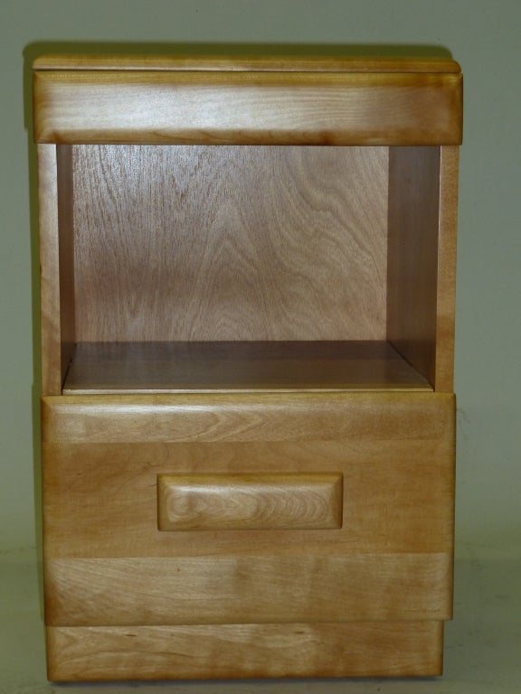 1930s Pair Of Nightstands By Russel Wright For Conant Ball
