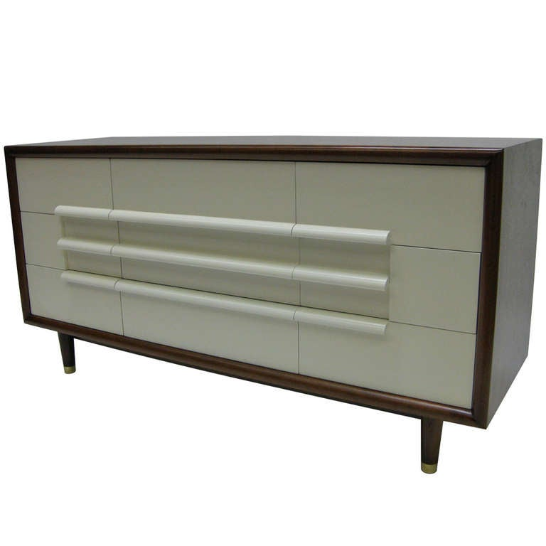 Mid Century Nine Drawer Dresser By Furniture Guild Of California For