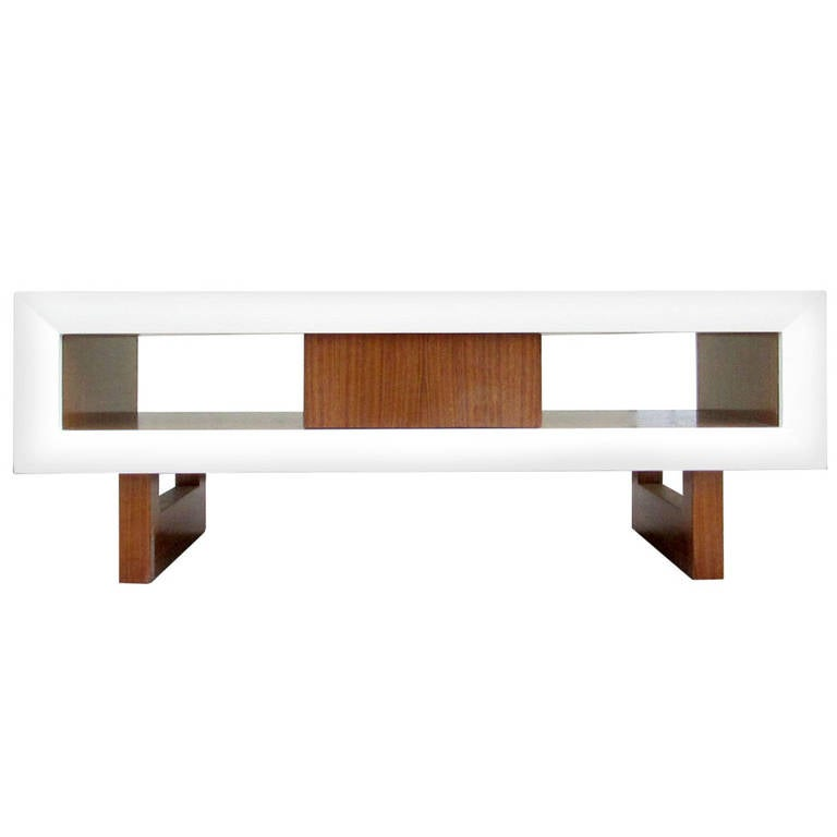 Architectural coffee table in white lacquer wood and for Architectural coffee table