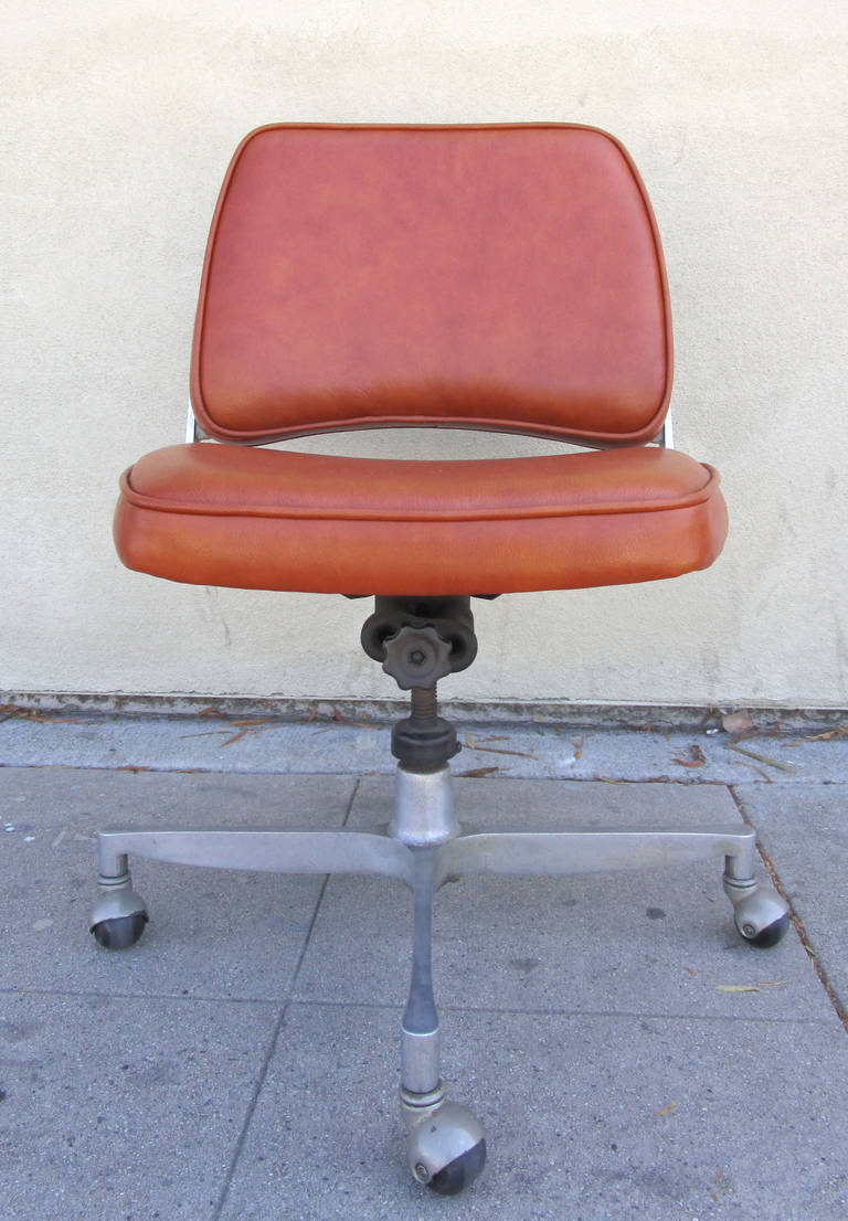Industrial Style Cast Aluminum and Leather fice Chair