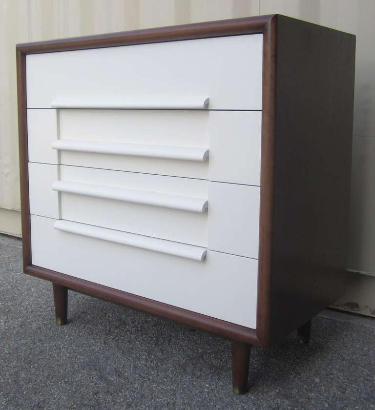 Mid-Century Modern Mid-Century Dresser by Furniture Guild of California For Sale