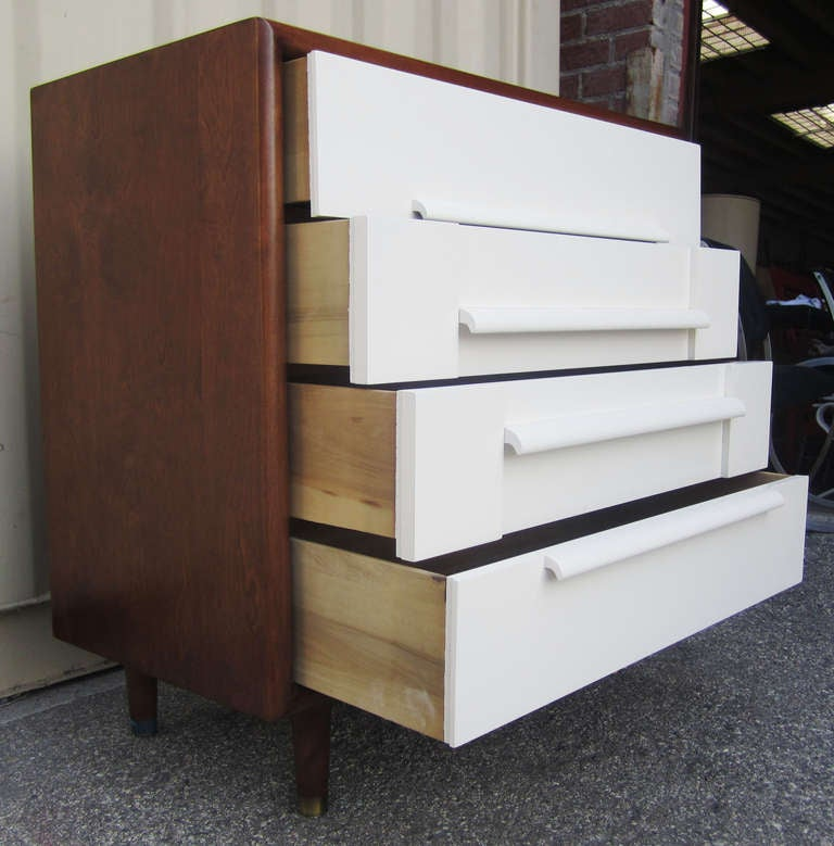 American Mid-Century Dresser by Furniture Guild of California For Sale