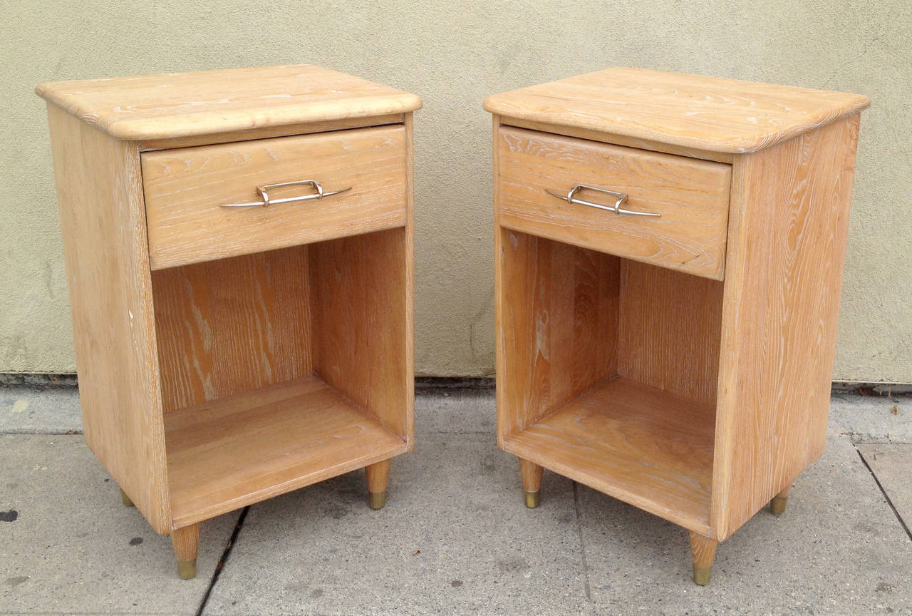 American Pair of 1950s Nightstands with Subtle Cerused Finish For Sale