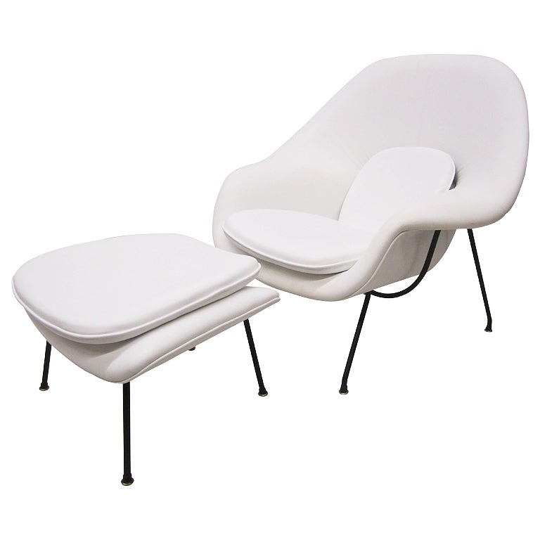 this womb chair and ottoman by eero saarinen for knoll is no longer