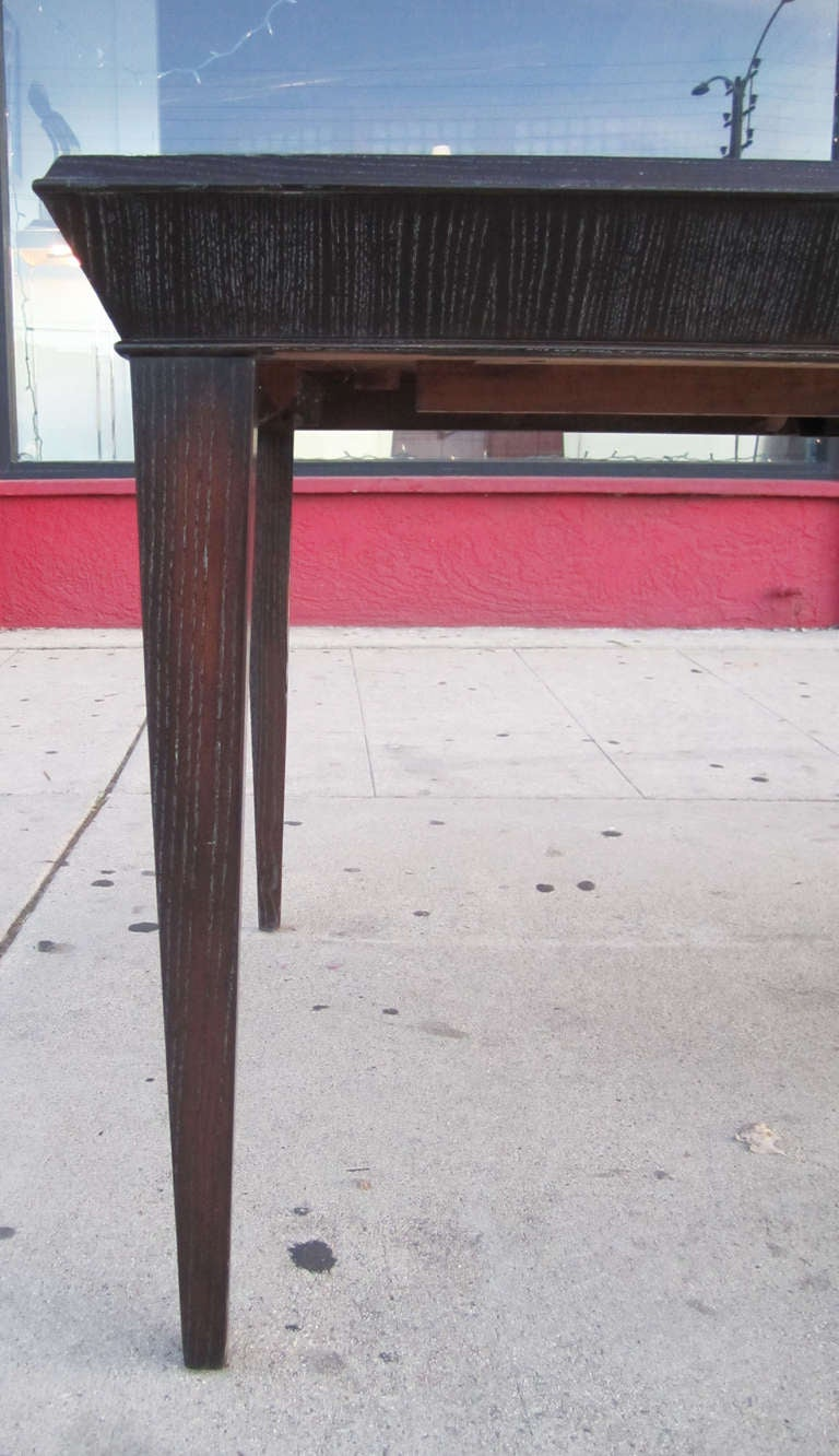 Elegant Amber Cerused Dining Table by Paul Frankl In Excellent Condition For Sale In Los Angeles, CA